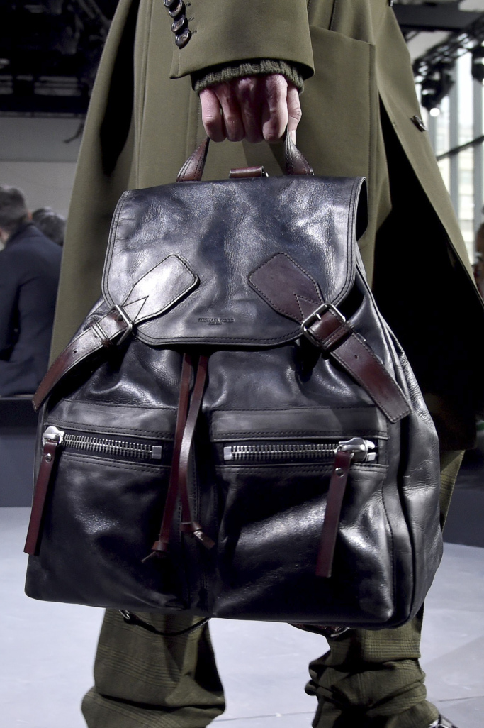 designers like michael kors wq03  Michael Kors and Coach presented the very mannish bags with two front  pocket functionality The bags are made from leather and looked classic  The designers
